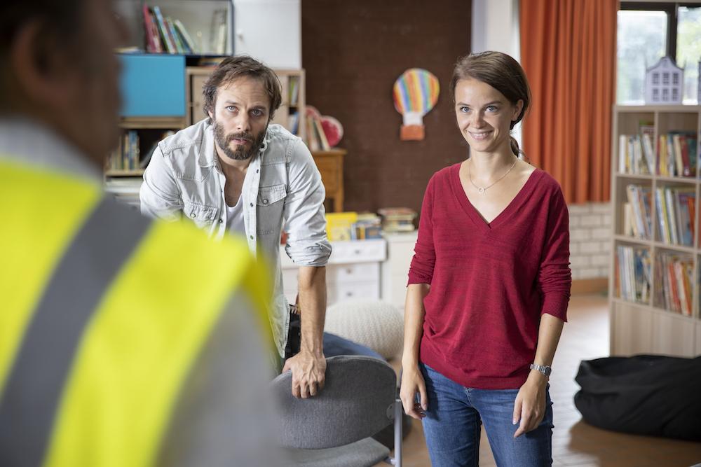 Maarten Ketels en Lynn van Royen in De luizenmoeder